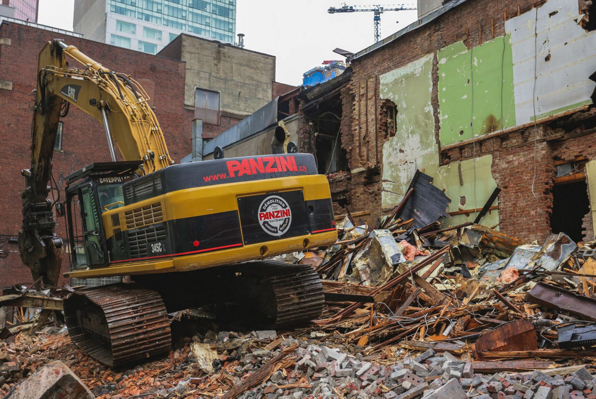 Demolition, recycling and liquidation of construction material 5 - Panzini Demolition - Montreal, Québec